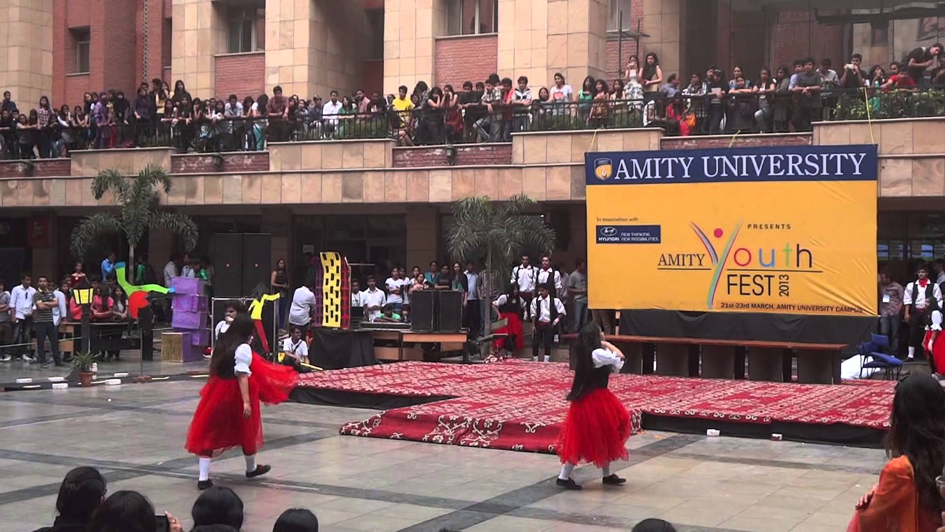 Amity University Fees Placements Courses Cut Off And Admission